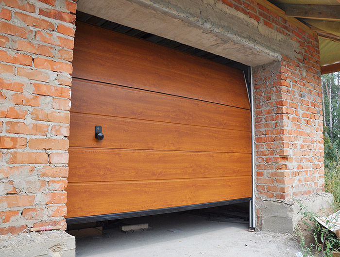 Garage Door Problems You Ll Want To Avoid Feldco Green Bay